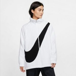 NIKE WOMENS REVERSIBLE SHERPA SWOOSH JACKET